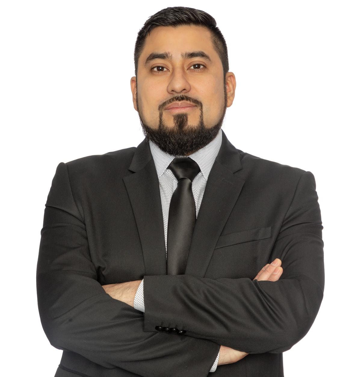 Armando Paz Dominguez Operations & Finance Assistant